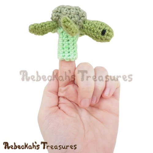 Finger Puppet Turtle Friend Crochet Pattern by Rebeckah's Treasures! See it here: https://goo.gl/KU7L8i #crochet #turtle #fingerpuppet